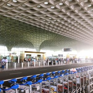 送迎や土産屋など・・ムンバイの国際空港を徹底解説