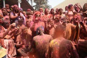 インドのお祭りホーリーの開催地や参加方法を徹底解説!